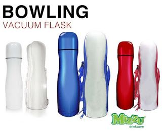 Water thermos type of bowling 500ml capacity produced by Mizzu   Size: 25.3 x 7.5 x 7.5cm Color: Blue, Red, White  container for storing hot or cold water. It has two walls with a vacuum between them. With such a design is the reduction of temperature can be minimized. Very efficient in keeping liquids cold or hot. To open or close enough with one easy touch. Bottle cap can simultaneously function as a glass / cup