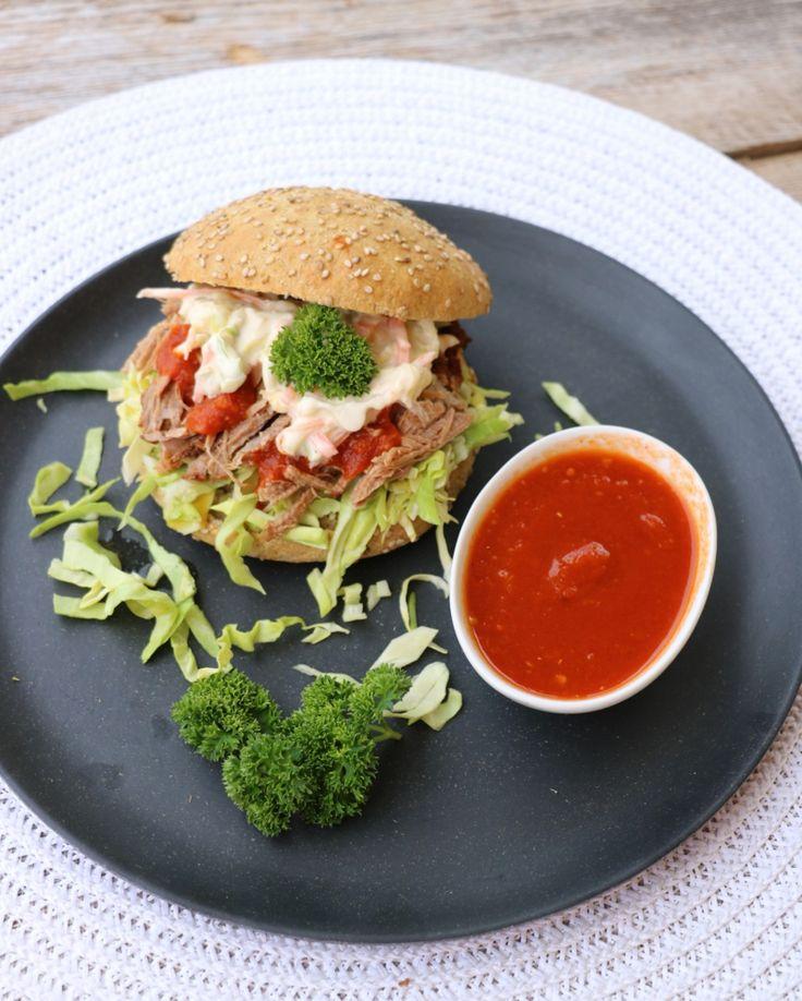 Pulled pork med coleslaw og BBQ-saus - lindastuhaug