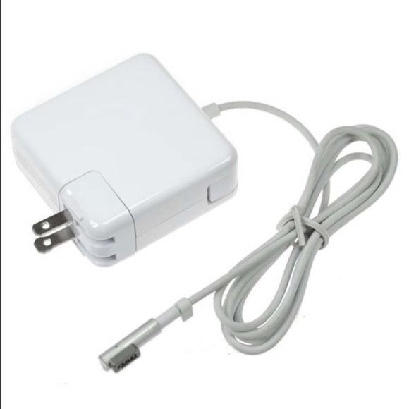 Apple Pro Book Charger Barley used Apple MAC book Pro Charger Apple Accessories Laptop Cases