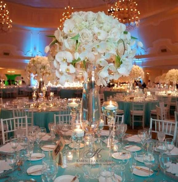 Beautiful Tiffany Blue Tablescape With A Tall Centerpiece (INDOORS!) Of  Orchids. Love The Tiffany Blue