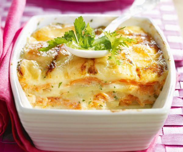 Préparez une tartiflette, ajoutez-y du saumon et vous obtiendrez une variante originale. Suivez bien la recette.