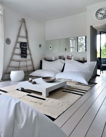 How to Create a Cosy Snug - http://www.interiordesign2014.com/other-ideas/how-to-create-a-cosy-snug/