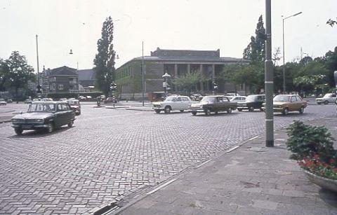 Raad van Arbeid op het Keizer Karelplein,voorheen het hotel Keizer Karel.