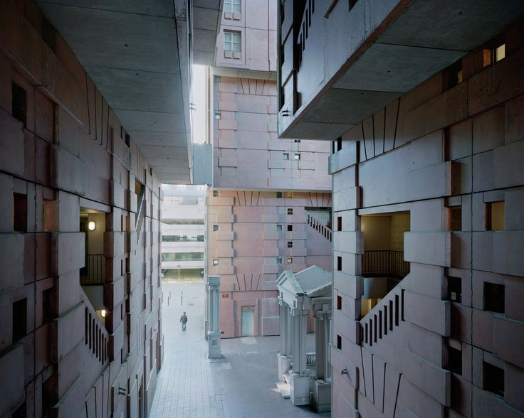 Gallery - A Utopian Dream Stood Still: Ricardo Bofill's Postmodern Parisian Housing Estate of Noisy-le-Grand - 6