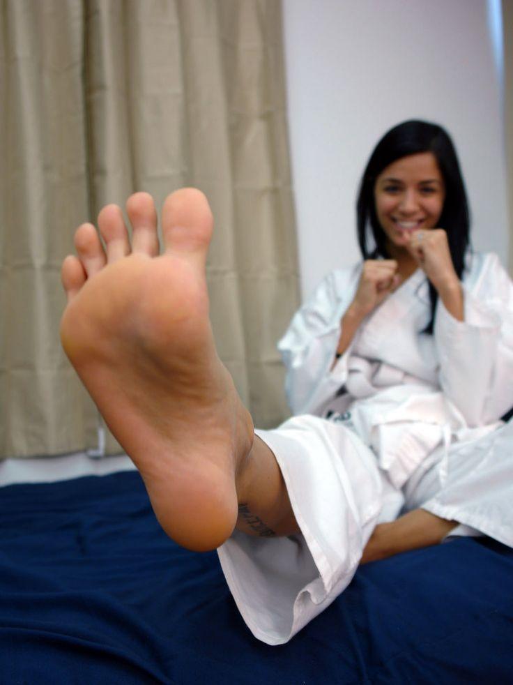 Pin On Girls Feet 3-9457