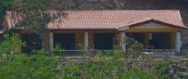 Dschungel Villa mit Bungalows, Aquarium-Fischzucht, Teich und 5.9 ha Land bei Las Juntas