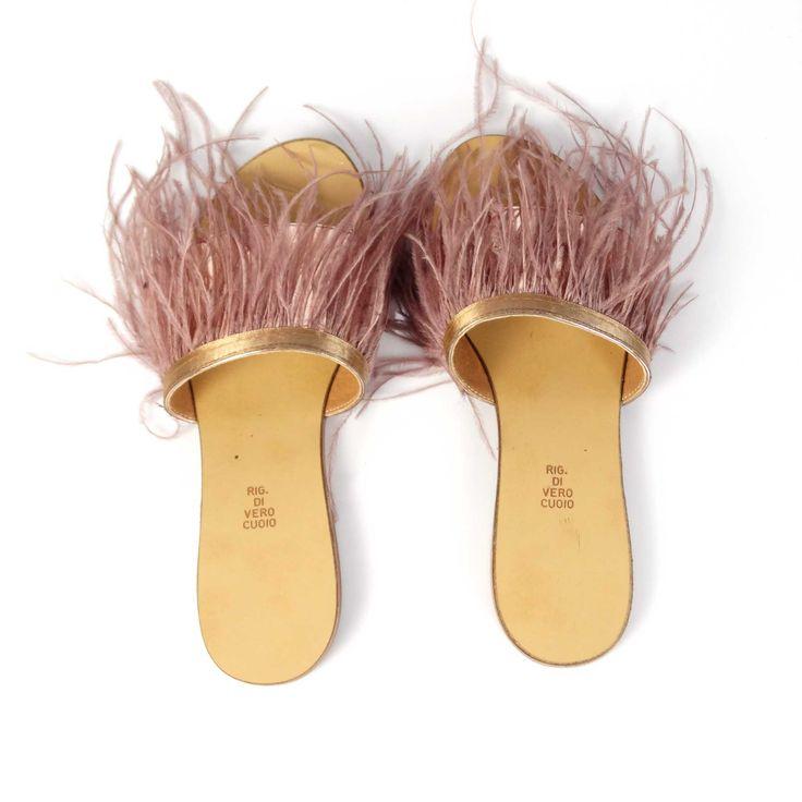 Sabotii de dama Mineli Feathers au talpă din piele naturală, bareta din piele laminată și…