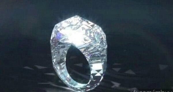 The World's First All Diamond Ring» weighing 150 carats and cost $ 68 million dollars. #Diamond #Ring #RT