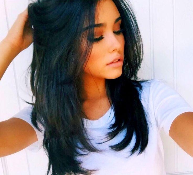 Причёска на средние темные волосы