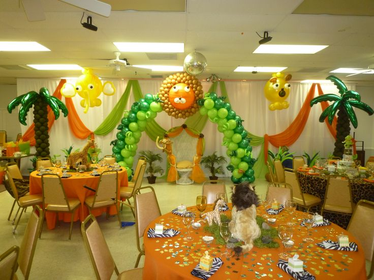 Balloon arch trees and baby balloon on pinterest for Animal themed bathroom decor