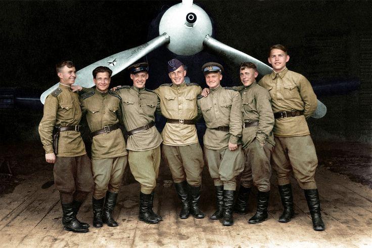 カラー写真で見る第二次世界大戦の英雄たち