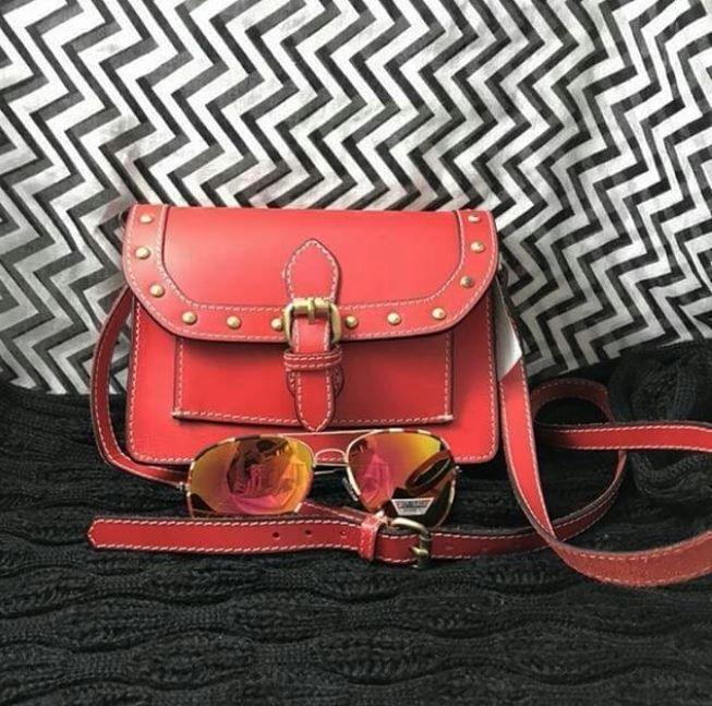 Find all your Valentines day accessories for less here at Plato's Closet Cambridge!  Zara purse/ Price: $14.00 Aviator sunglasses/ Price: $ 8.00 | www.platosclosetcambridge.com