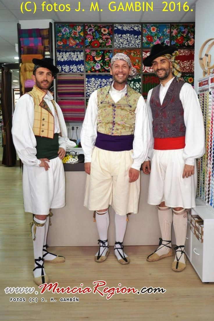 Huertanos murcianos, indumentaria masculina típica de Murcia.