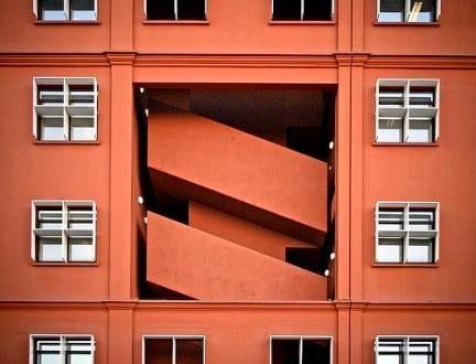 """""""L'#architettura è in qualche modo un ordinare l'#ambiente che ci sta intorno, un offrire migliori possibilità all'insediamento umano."""" Vittorio Gregotti, Il territorio dell'architettura, 1966"""