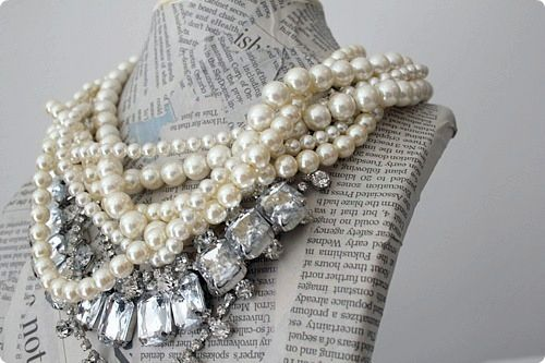 Bling & Pearls. Yes, Please ♥: Necklaces Holders, Statement Necklaces, Jewellri Display Pap, Pearls Necklaces, Diamonds, Fashion Accessories, Little Black Dresses, Display Pap Mache, Chunky Necklaces