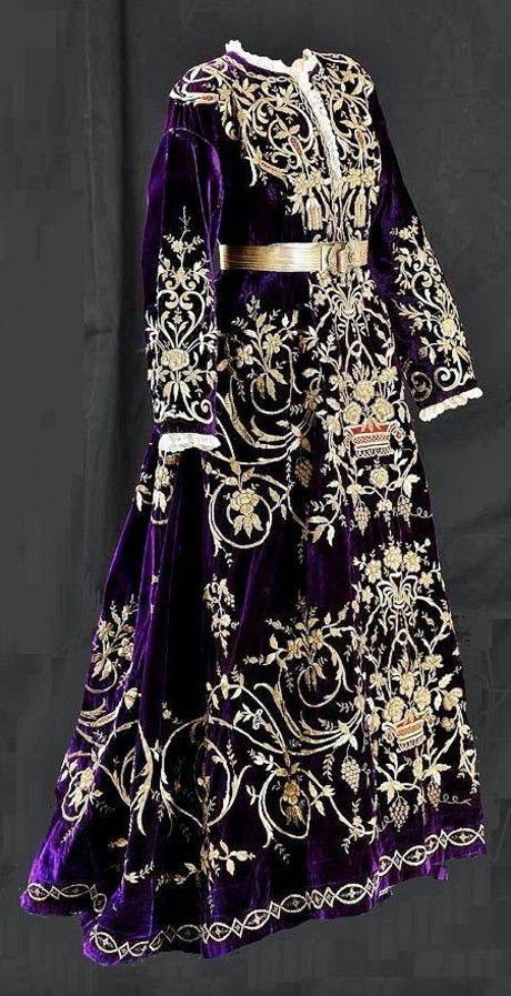 Turkish bridal/festive robe. Late-Ottoman, urban fashion, 19th century. Called: 'bindallı entari' (robe with thousand branches). 'Goldwork' embroidery on velvet; embroidery technique: 'Maraş işi'.