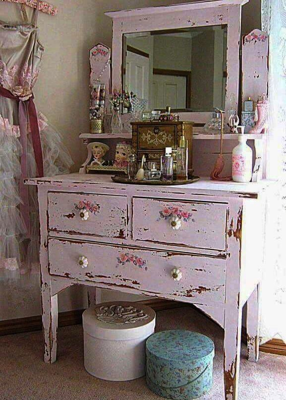 fantastic u003e shabby vintage and very chic shabbychicfurniture rh pinterest com