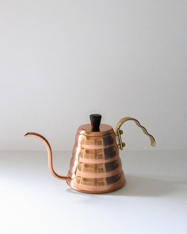 What's better than a copper kettle? A copper pour over kettle. Japanese brand Hario was founded in 1921 and continues to be the quintessential enthusiast's choice in coffee paraphernalia. The gentle s