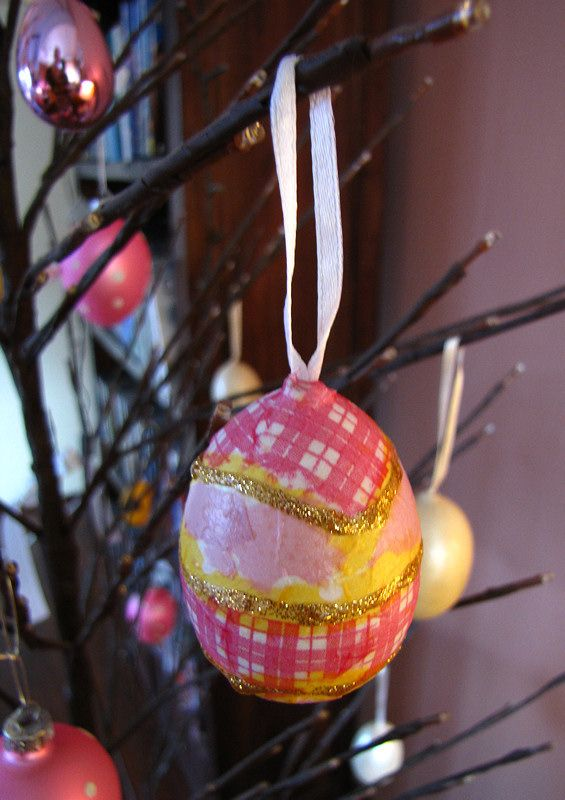 Season's greetings – with decoupaged Easter ornaments | Creator's Image Studio