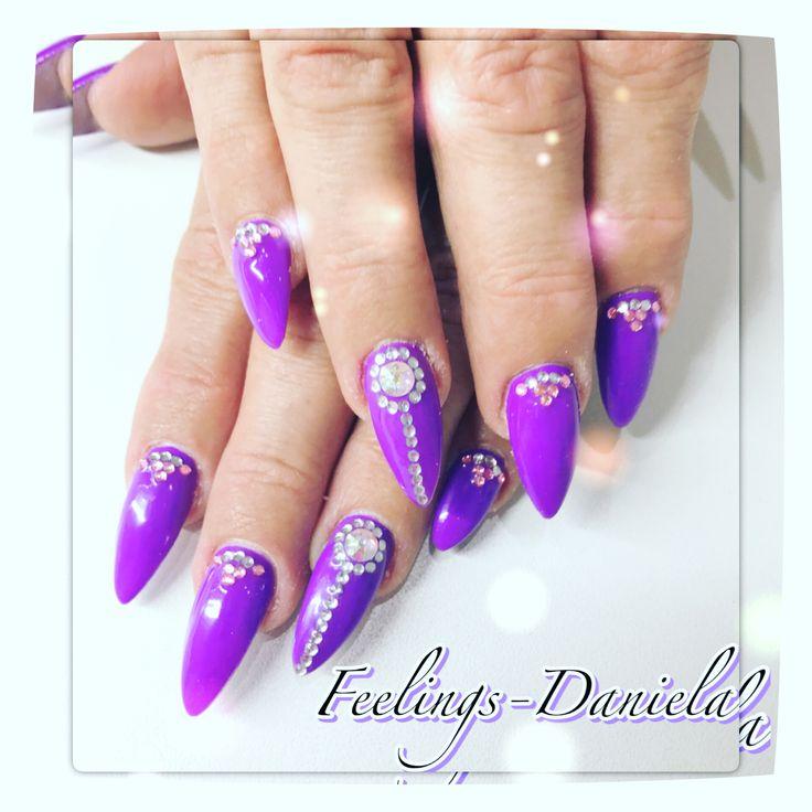 Nails Naildesign Lila Swarovski