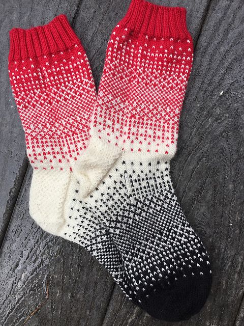 Dither socks pattern