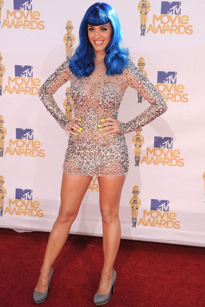 https://s-media-cache-ak0.pinimg.com/736x/0a/c4/10/0ac4105fdbca3e9149f04914995e4156--katy-perry-costume-blue-wig.jpg