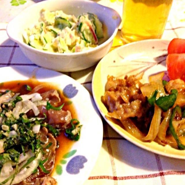 全部のメニューに新玉ネギが入っております‼ - 58件のもぐもぐ - カツオのタタキ   ポテトサラダ    豚肉とピーマンと玉ねぎソテー by mari miyabe