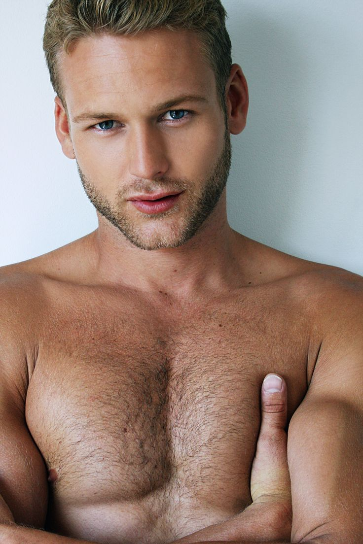 Hairy blonde guy — photo 10