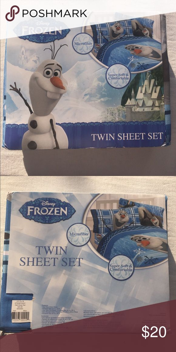 Disney Frozen Bed Sheets Twin size bed sheets  Includes: 1 flat sheet, 1 fitted sheet, 1 standard pillowcase Disney Other