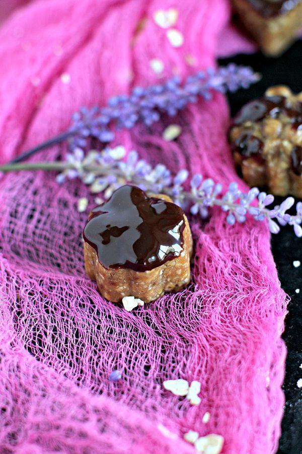 Sugar Free Peanut Butter Truffles - Vegan - Peas and Peonies