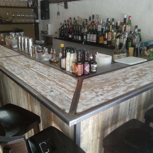 Ordnet bar for @bonlio gastrobar Materialene fra #1735 #drivved #gjenbruk #gjenbruksmaterialer #elskerdet