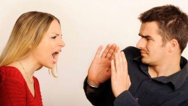 La #hipoacusia puede afectar a las relaciones de pareja.