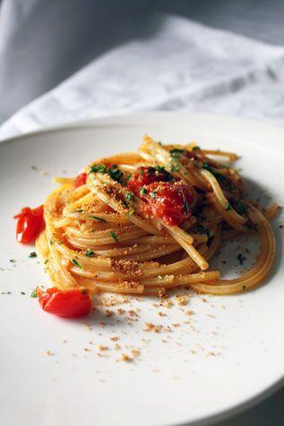 Singerfood e gli spaghetti d'estate Francesca e Pietro, una coppia e un blog di cucina, e una ricetta regalata alle donne moderne