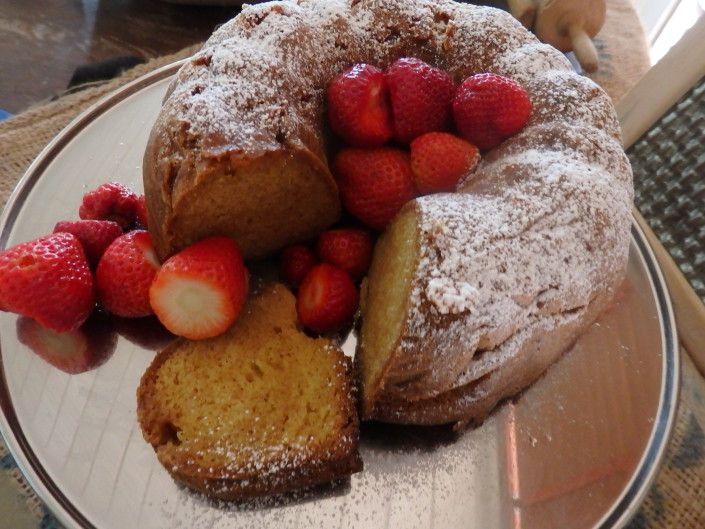 Norwegian strawberries are the best in the world, and those from my own garden are argueably the best in Norway. A great time of the year for my Lemon and Sour cream cake! www.icookkitchen.no
