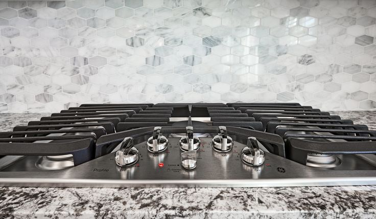 Every chef deserves 5 burners! | Lance model home | Oakley, CA | Richmond American Homes