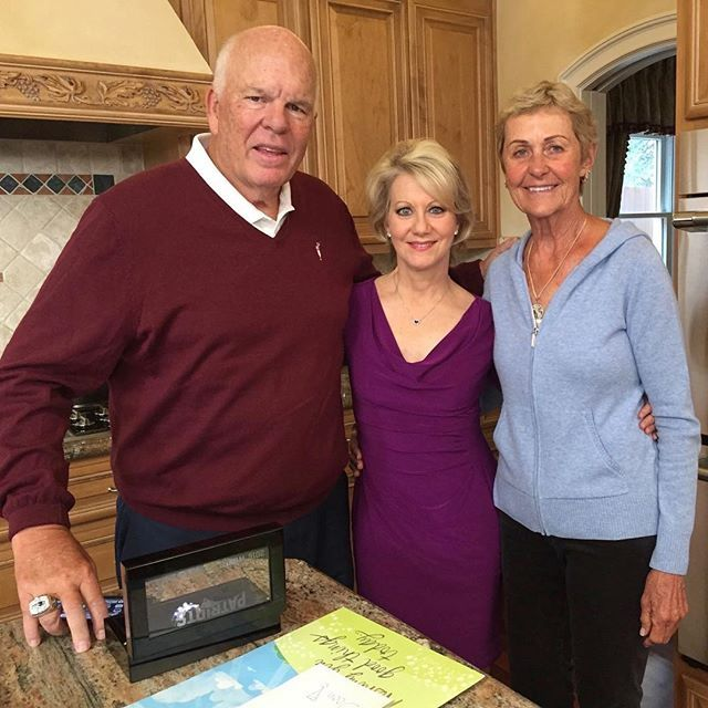 Tom Brady's Parents Galynn and Tom Brady Sr. sit down with Andrea Kremer to talk Galynn's battle with cancer ! Link in Bio to watch the whole interview ! ❤️❤️❤️