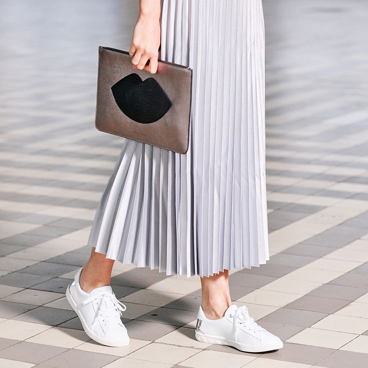 Fashion | Shoes | Bags | Kendall and Kylie | Clutch Veronica | Diesel | Sneakers Solstice | Plissé rok | Pleated skirt --> https://www.omoda.nl/dames/clutches/kendall-kylie/zilveren-kendall-kylie-clutch-veronica-72785.html/?utm_source=pinterest&utm_medium=referral&utm_campaign=kendaalkylieclutch10-05-17&s2m_channel=903