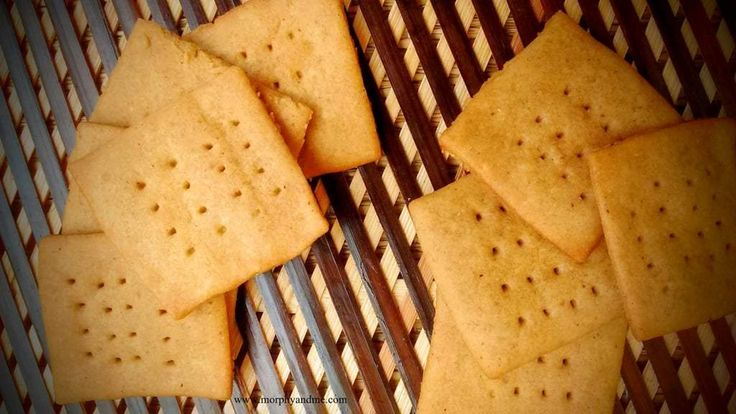 Crisp and healthy tea biscuits made with wholewheat flour!