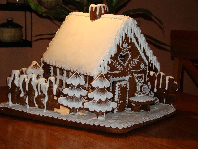 Great cottage ll. -how adorable are these trees?