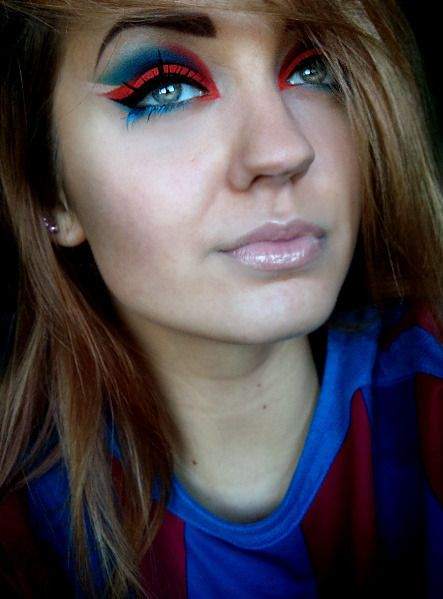more about this look: http://grzee.blogspot.com/2011/12/viva-la-catalunya.html