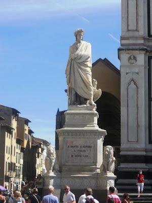 Dante's statue in Florence
