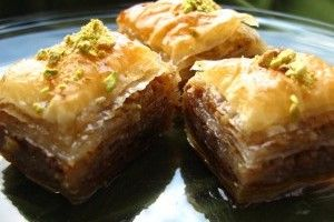 Baclava turceasca: Baclava Turceasca, Sweet, Romanian Recipes Old, Vegetarian Desserts, Food, Breads Baking Deserts, Easter Desserts, Recipes