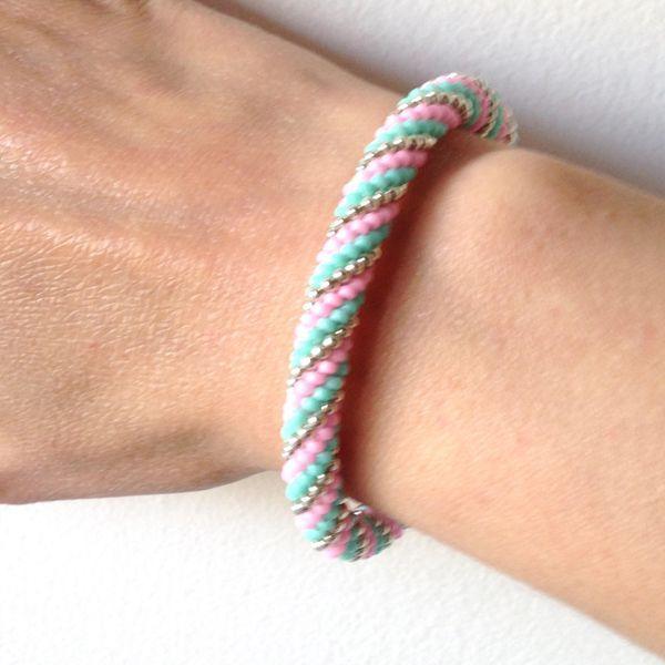 Bracelet spirale au crochet en perles Miyuki