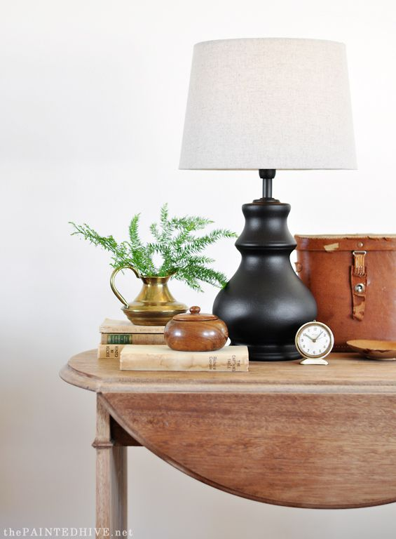 Easy Lamp Makeover using matte black Spraypaint and a $10 linen shade from target