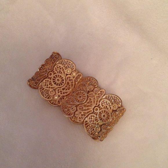 Gold bracelet Stretchy gold accent bracelet Charlotte Russe Jewelry Bracelets