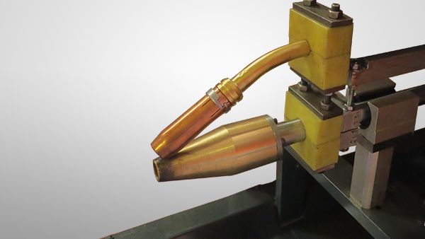 Re-Validation Welding. LPG Cylinder re-validation line consists of welding of the separated parts of cylinders | ROK Teknik Metal Makine ve Kalip San. Tic. Ltd. Sti. | www.rokteknik.com/lpg-cylinder-revalidation-line/re-validation-welding/