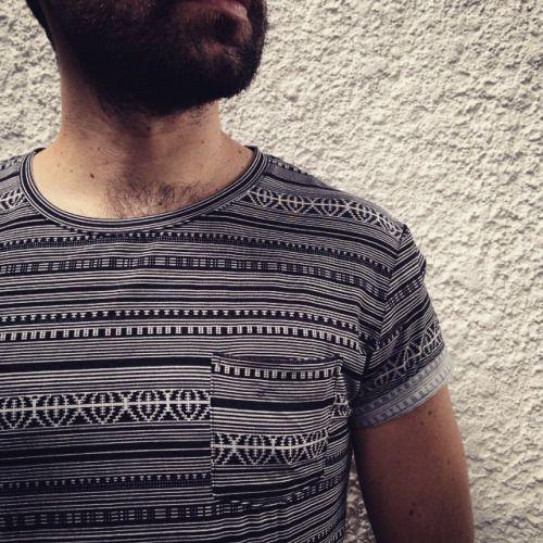 Nuevas camisetas con estampado étnico blanco y negro. #belikepardo (at Pardo)
