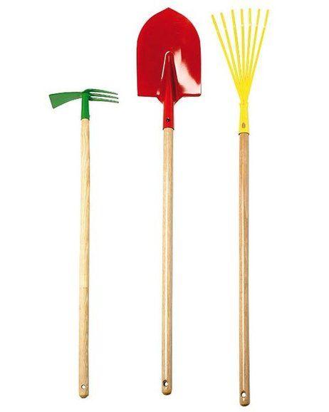 Estos útiles y herramientas, prácticos y novedosos, te serán de gran ayuda a la hora de emprender tus labores en la terraza o el jardín. Toma buen nota.