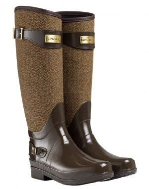 Brown and gold Hunter Boots. Saying I want these boots is a colossal understatement.