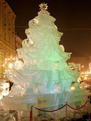 ice sculpture of a Christmas tree was created using 30 tonnes of ice.
